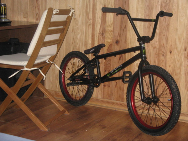 mon bmx justice 2011. Black Bedroom Furniture Sets. Home Design Ideas